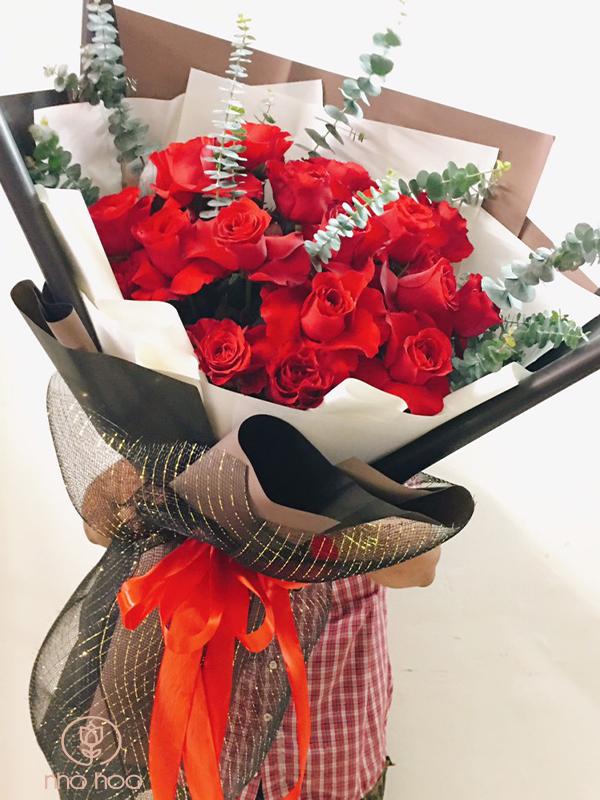 Bó Hoa Hồng Đỏ Nhập Khẩu Bông To