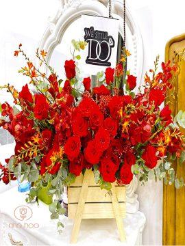 Hộp Hoa Hồng Đỏ Tươi Mix Lan