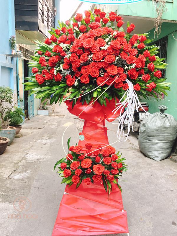 Kệ Hoa Hồng đỏ Chúc Mừg Khai Trương